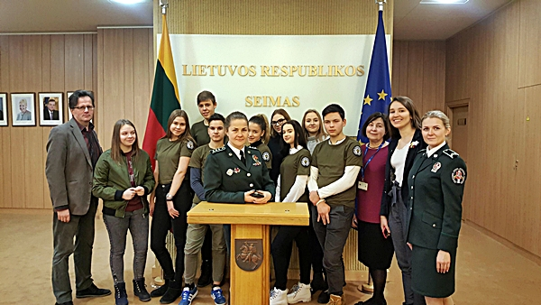 Vilniaus pasienio rinktinės Jaunojo pasieniečio būrelio vaikai minėjo Laisvės gynėjų dieną