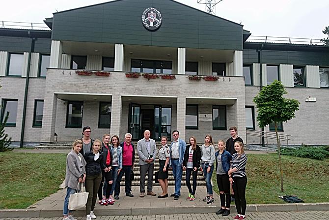 Vilniaus rinktinėje pasieniečio profesija domėjosi vaikai iš Vilniaus miesto gimnazijų