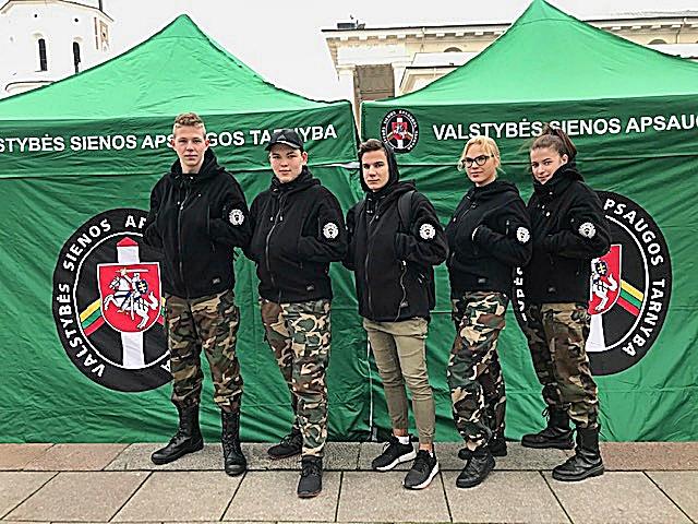 VRM šimtmečio renginyje – Vilniaus pasienio rinktinės Jaunojo pasieniečio būrelio nariai