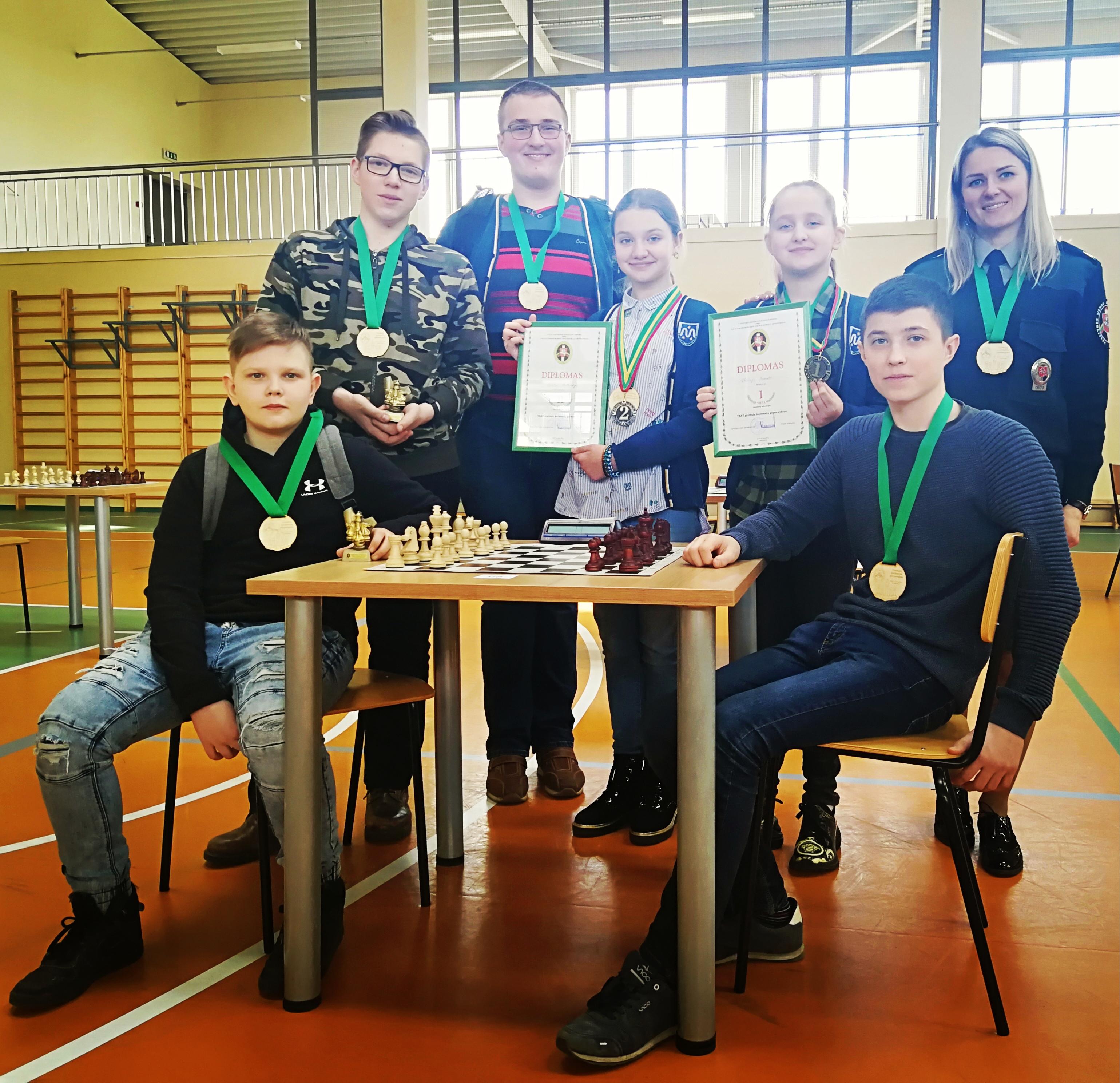 Mickūnų gimnazijos JPB  nariai dalyvavo greitųjų šachmatų pirmenybės varžybose