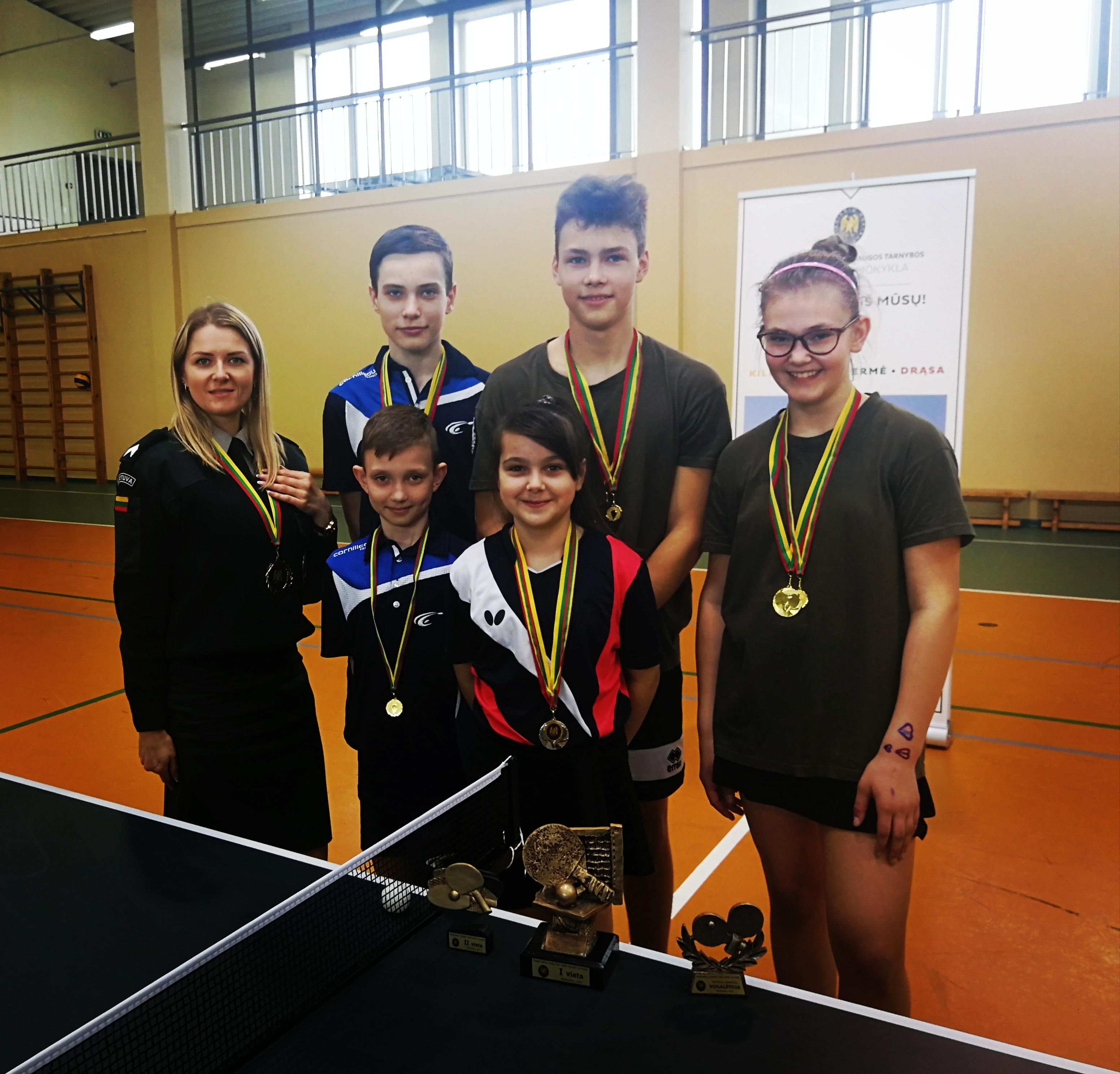 Atviras stalo teniso turnyras: Vilniaus r. JPB nariai metė iššūkį kursantams
