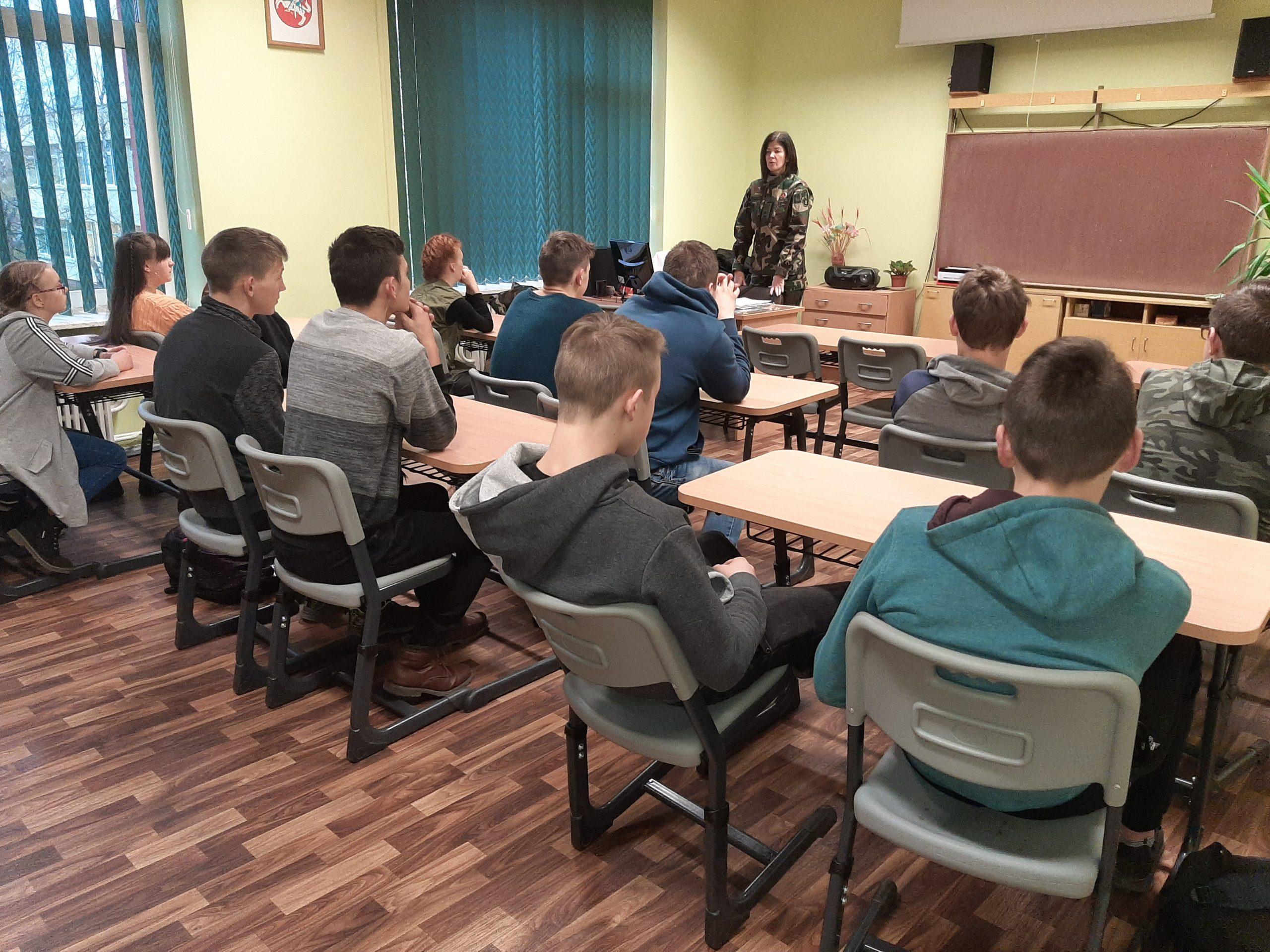 Bendruomenės pareigūnės lankėsi mokymo įstaigose
