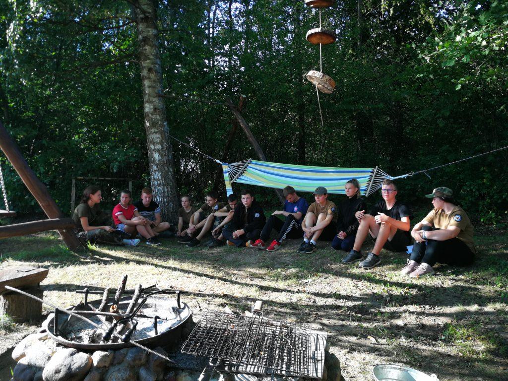 Vaikų vasaros stovyklų apžvalga: ką galima pritaikyti užimtumui namuose