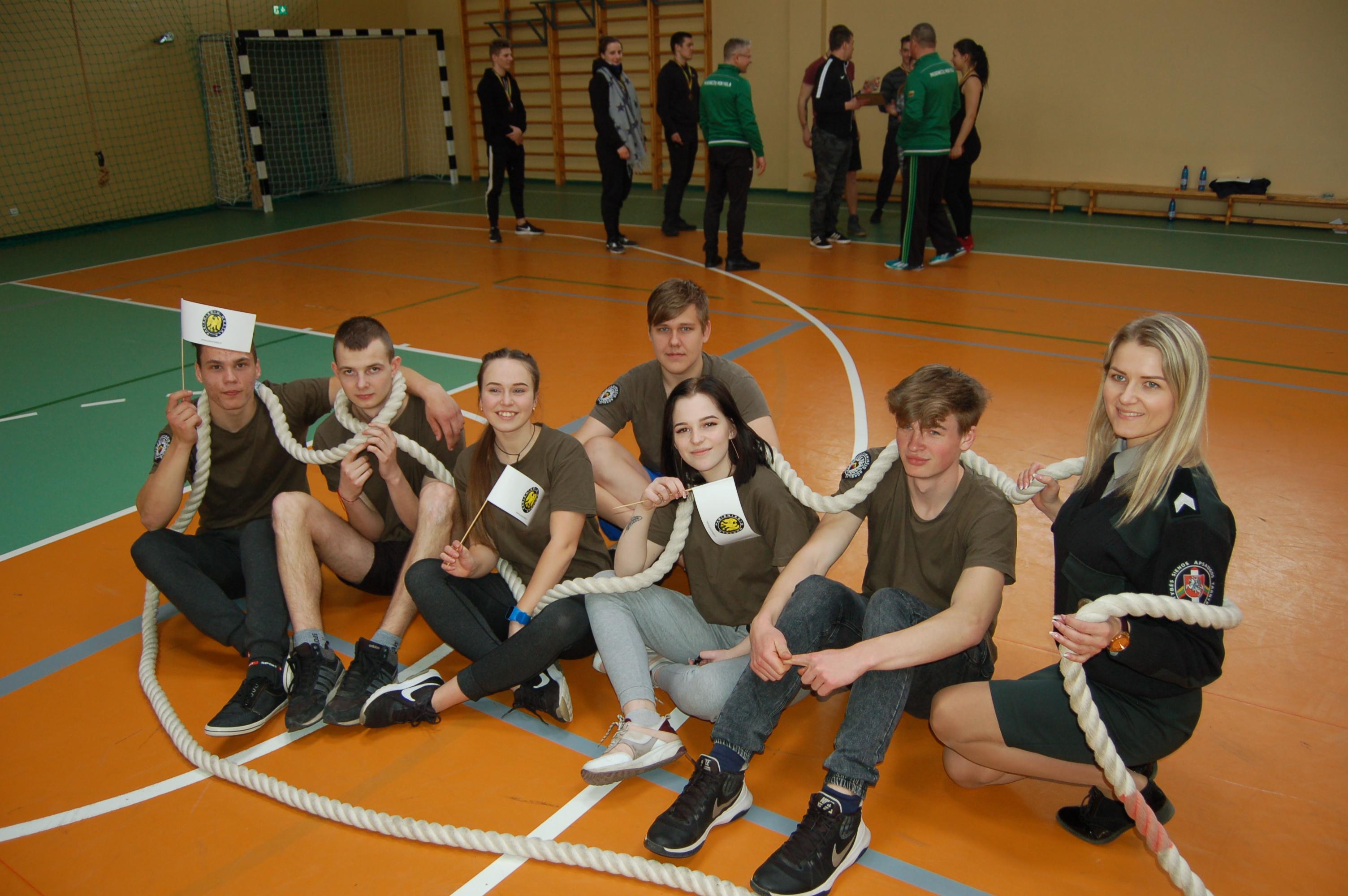 Virvės traukimo varžybose – ir Mickūnų gimnazijos JPB nariai