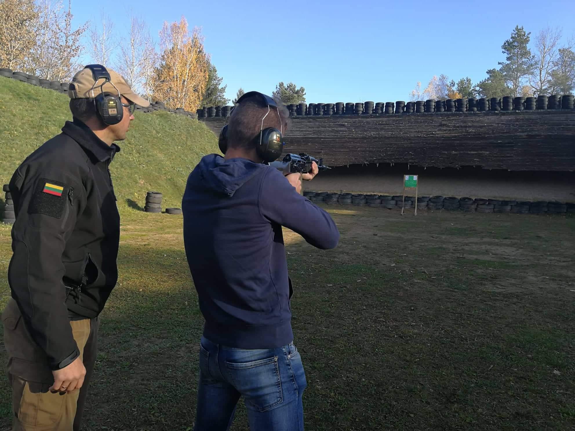 Praktiniai mokymai su šaunamaisiais ginklais JPB nariams